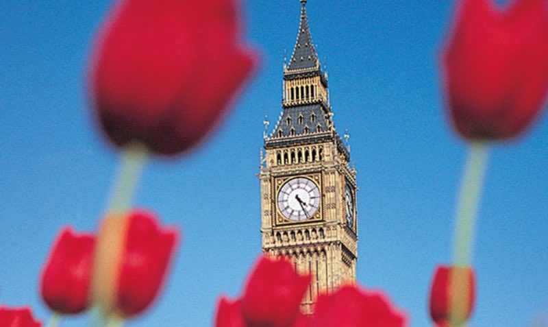 Enjoy 7 days car rental and pay for just 5 when travelling to select destinations in Europe and the UK.